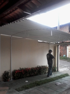 Coberta com telha de alumínio